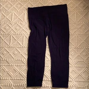 Athleta navy crop high waist legging.